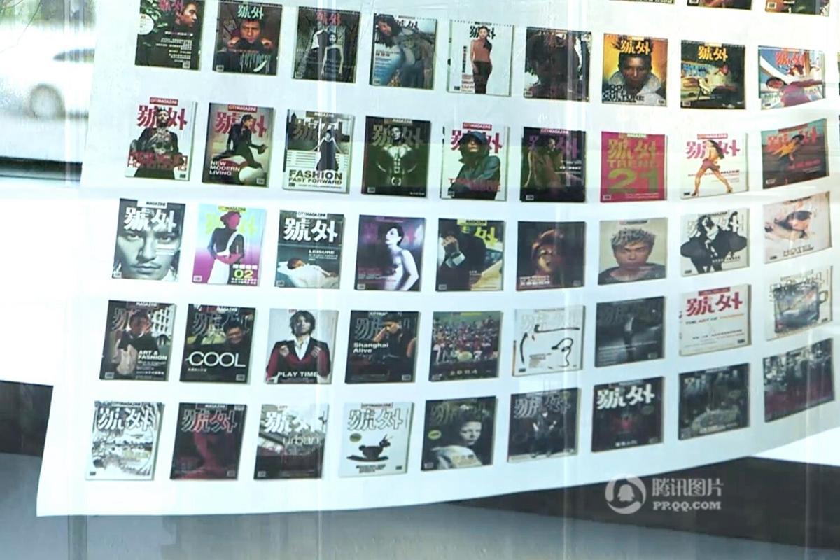 志是李孟夏从小梦想的职业.他小时候翻看画报,通过印刷的图片想