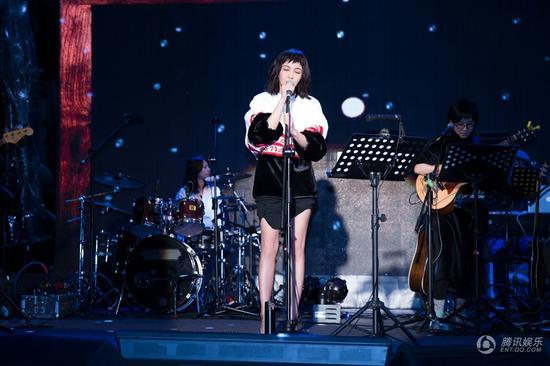 郭采洁举办音乐会 精选7首歌曲与粉丝共度圣诞