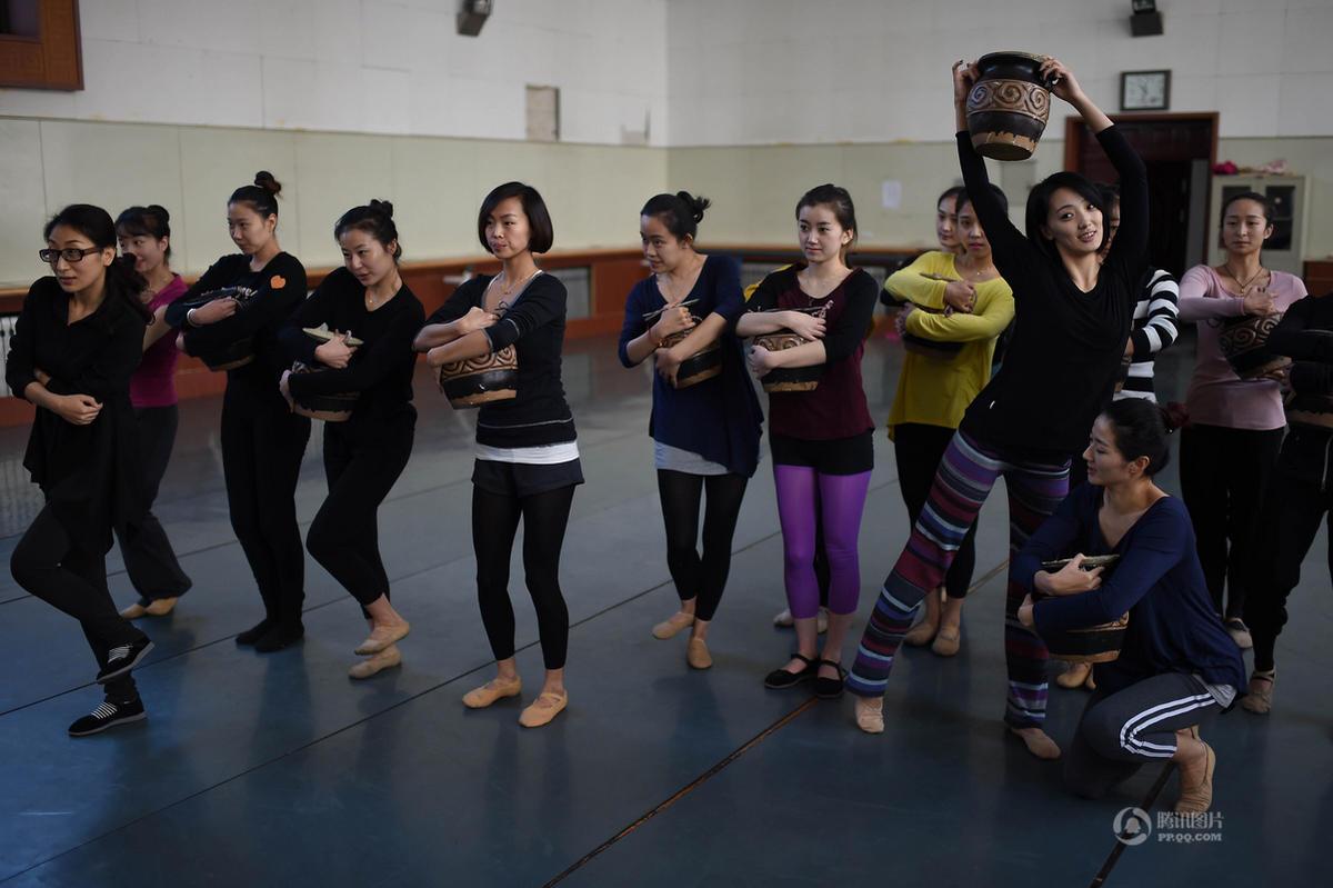 【中国人的一天】舞蹈演员开豪车送外卖