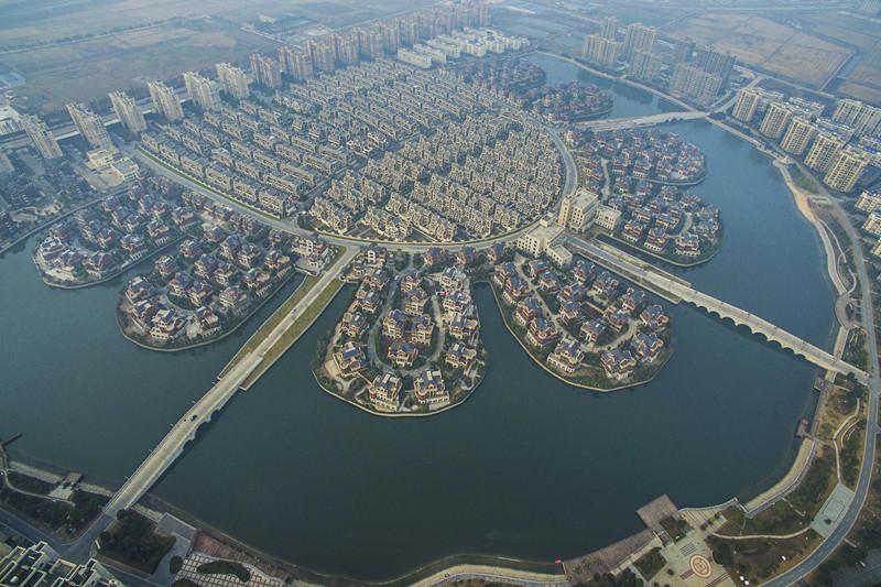 江苏农民集中居住区场面壮观 堪比威尼斯水城2015.12.31 - fpdlgswmx - fpdlgswmx的博客