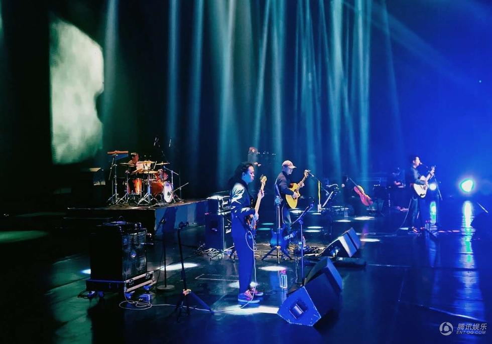 马頔演唱会唱响上海大舞台 孤鸟再度啼鸣乐坛