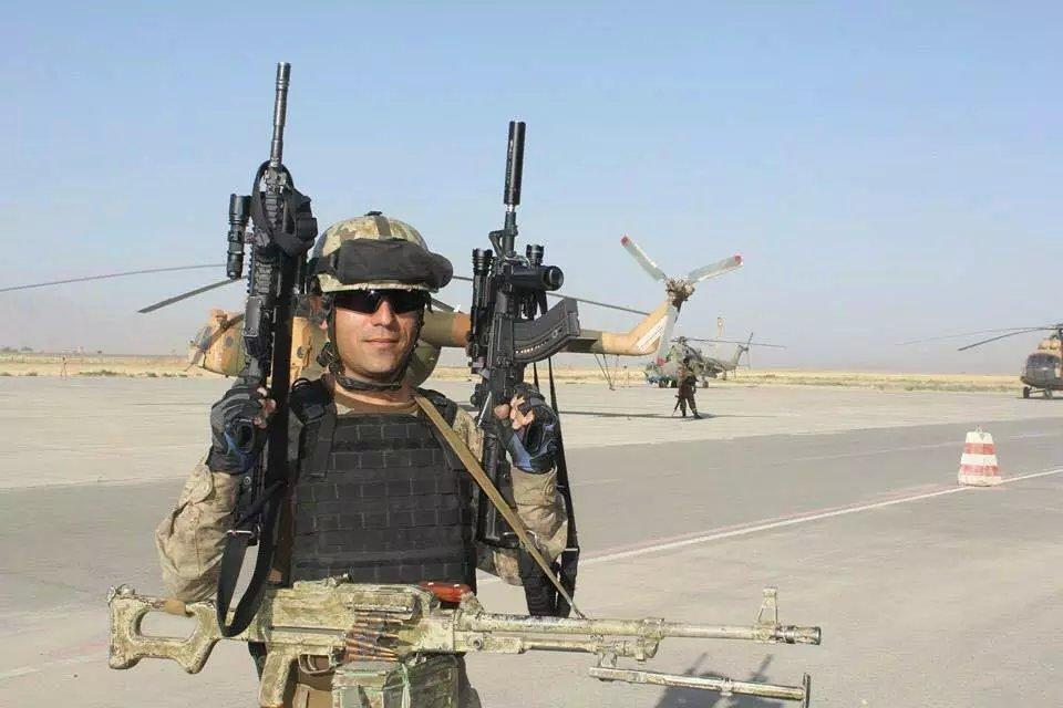 阿富汗特种部队的装备精良图片