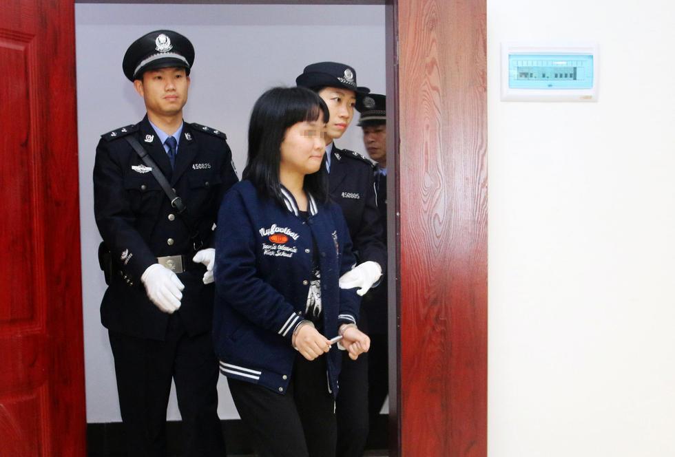 """(女,1996年4月出生,无业)在网上得知""""8.12""""天津港爆炸事故"""