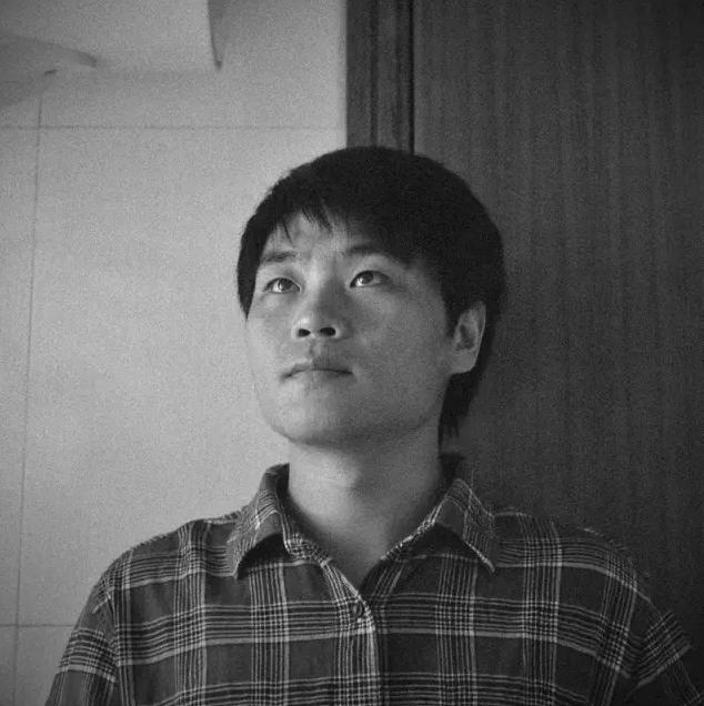2015年,田建明与腾讯《活着》,《中国人的一天》图片栏目合作推出了