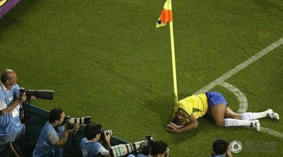 """艺双馨"""",帮助巴西队拿到2002年日韩世界杯的里瓦尔多就是这样一图片"""