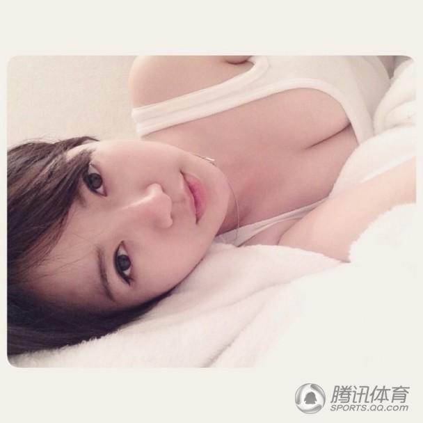 【最新最勁爆!】越南清純女球迷走紅 豔照隨即流出震驚網友(組圖)
