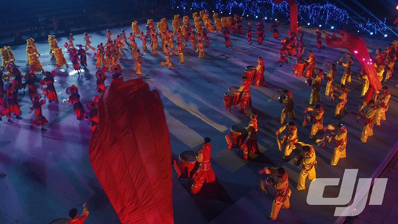 独家航拍春晚广州分会场 一片喜气洋洋 - 海阔山遥 - .