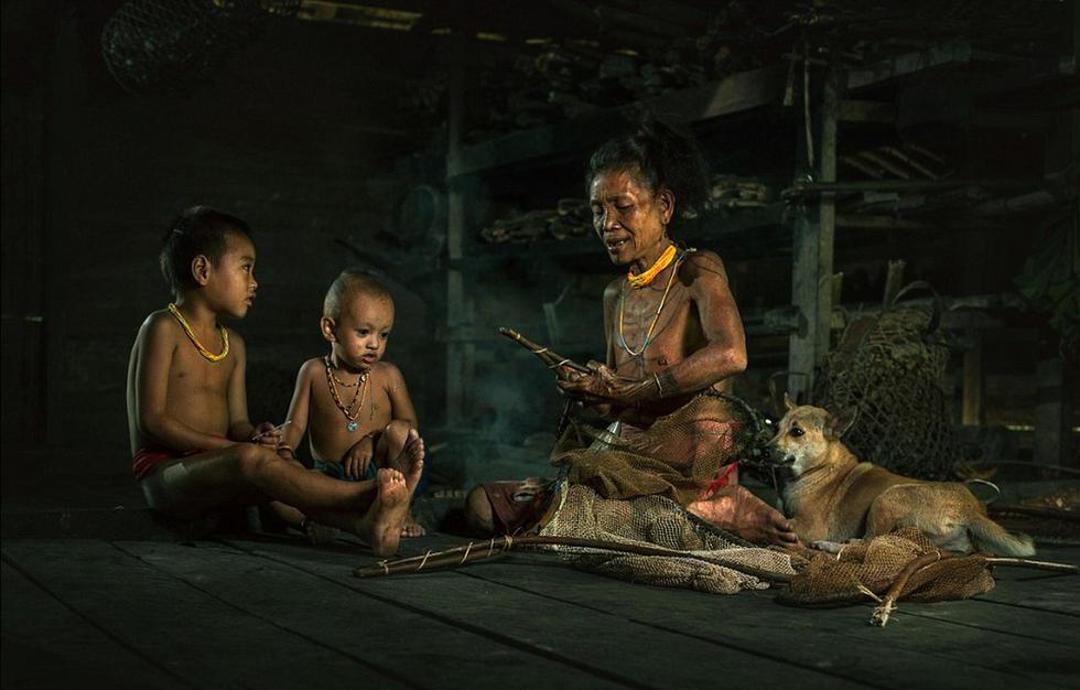 探秘印尼与世隔绝土著部落 远离文明社会 - 海阔山遥 - .