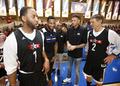 姚麦纳什携众球星出席NBA关怀行动 阵容豪华