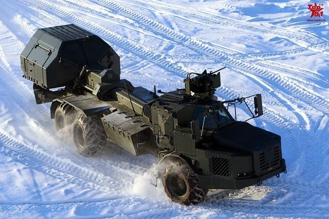 我军试穿俄新型单兵作战系统该系统曾在叙利亚参战