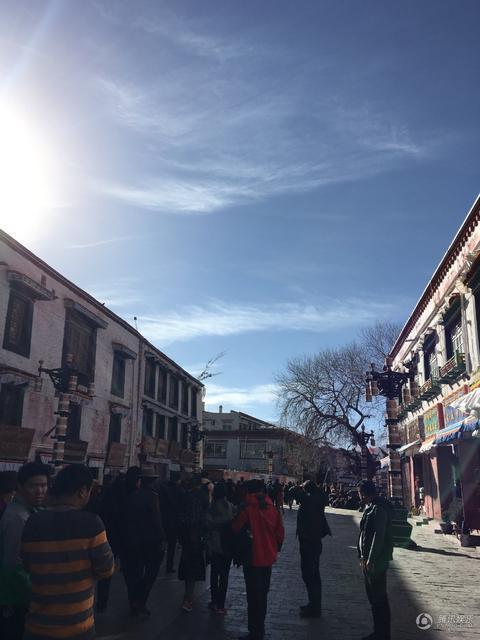 韩红西藏豪宅曝光 堆满美食民族味浓 - 海阔山遥 - .