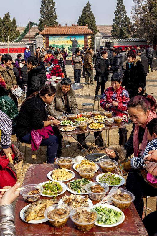 河南農村的10元/人的快餐