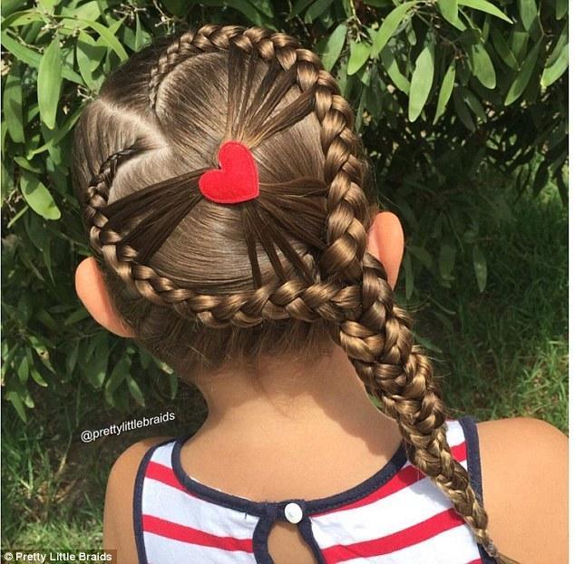 有一个会编头发的妈妈 真的能在女儿头上玩朵花 - 海阔山遥 - .