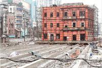 武汉文保单位首平移 汉口百年建筑滑行90余米