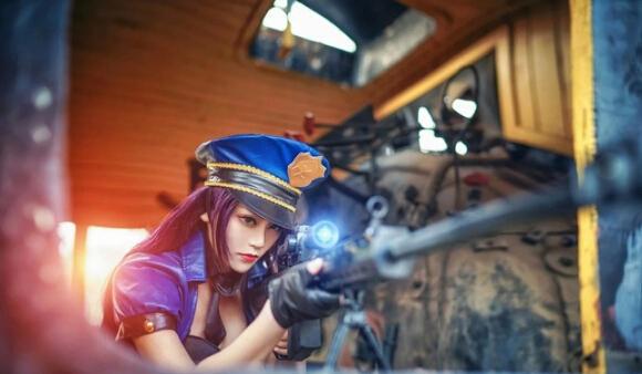 特琳皮城女警察cosplay性感写真,值得一看哦!-丰满女警视觉盛宴
