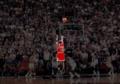 NBA煽情画面:AI硬扛大鲨鱼 姚明上演王者归来