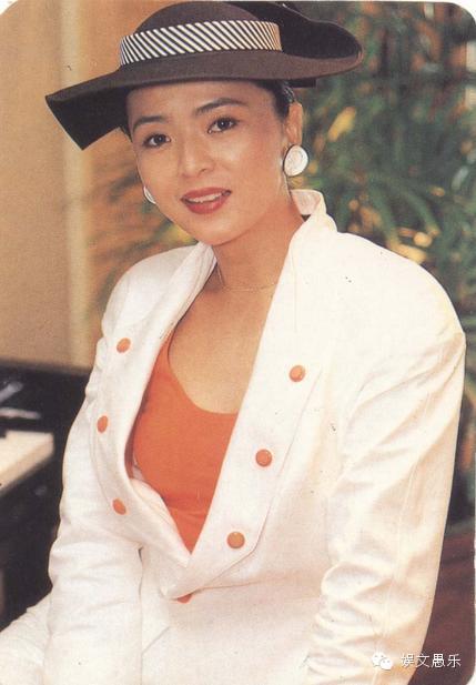她比李若彤还美名气不输刘德华  如今56岁真可怜