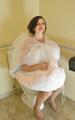 新娘着婚纱使用WC小贴士