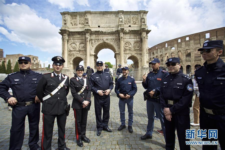 中国警察罗马街头巡逻 维护中国游客权益2016.5.4 - fpdlgswmx - fpdlgswmx的博客