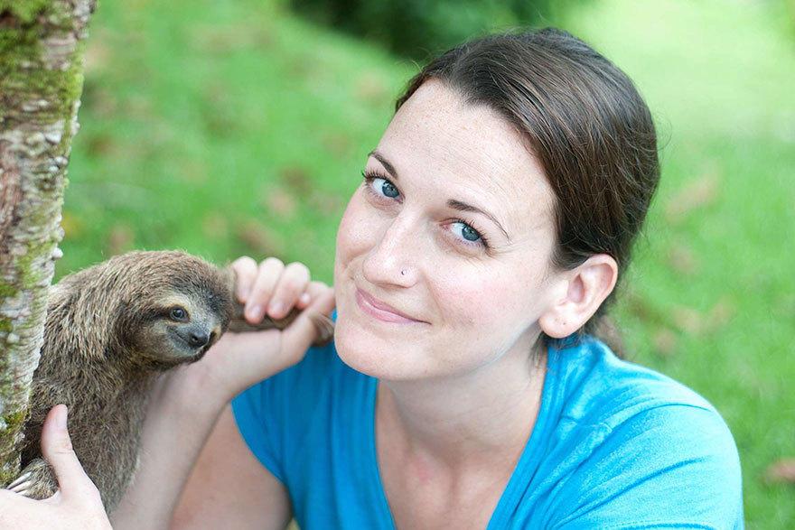 她创立了树懒孤儿收容所 教它们回归自然