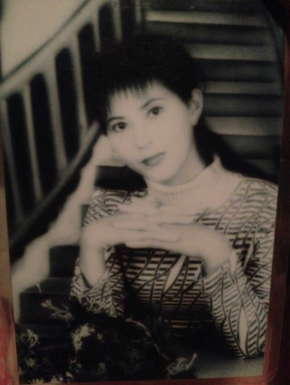 母亲节网友晒高颜值妈妈 无PS老照片美过女明星