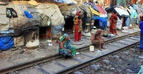 农村人口涌入城市影响_组图 孟加拉贫民蜗居10平陋室