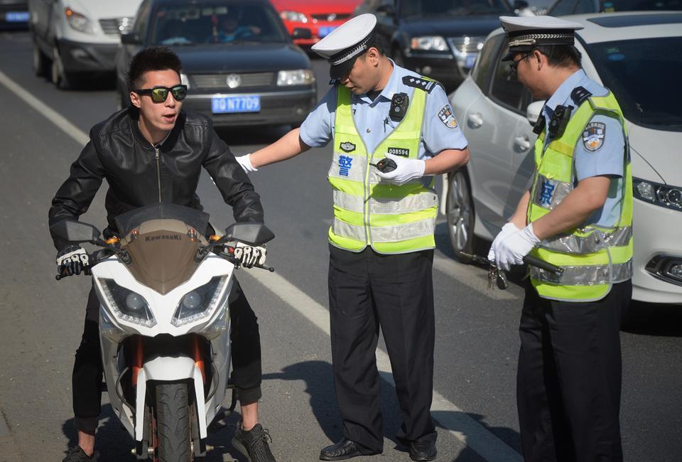 在人民保险买车险被交警没查到 已开处罚单该怎么处理?