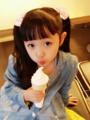 组图:河南小萝莉走红网络 小天使萌化网友心