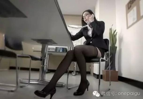 年轻的母亲2视频-又一部韩国情色片 这宅男的性幻想力不要太强