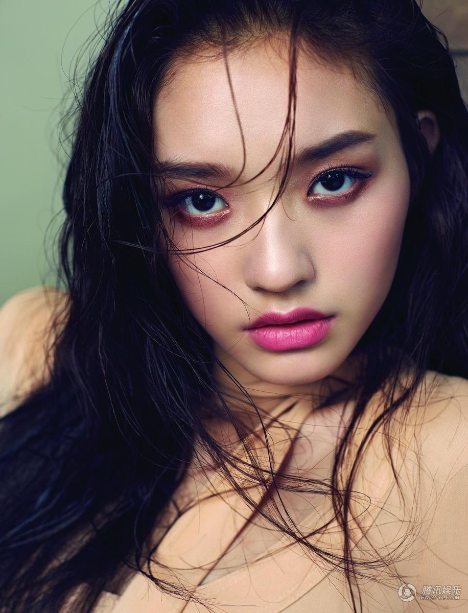 魅惑少女妆_高清:林允美艳大片首曝光 迷离眼神魅惑诱人