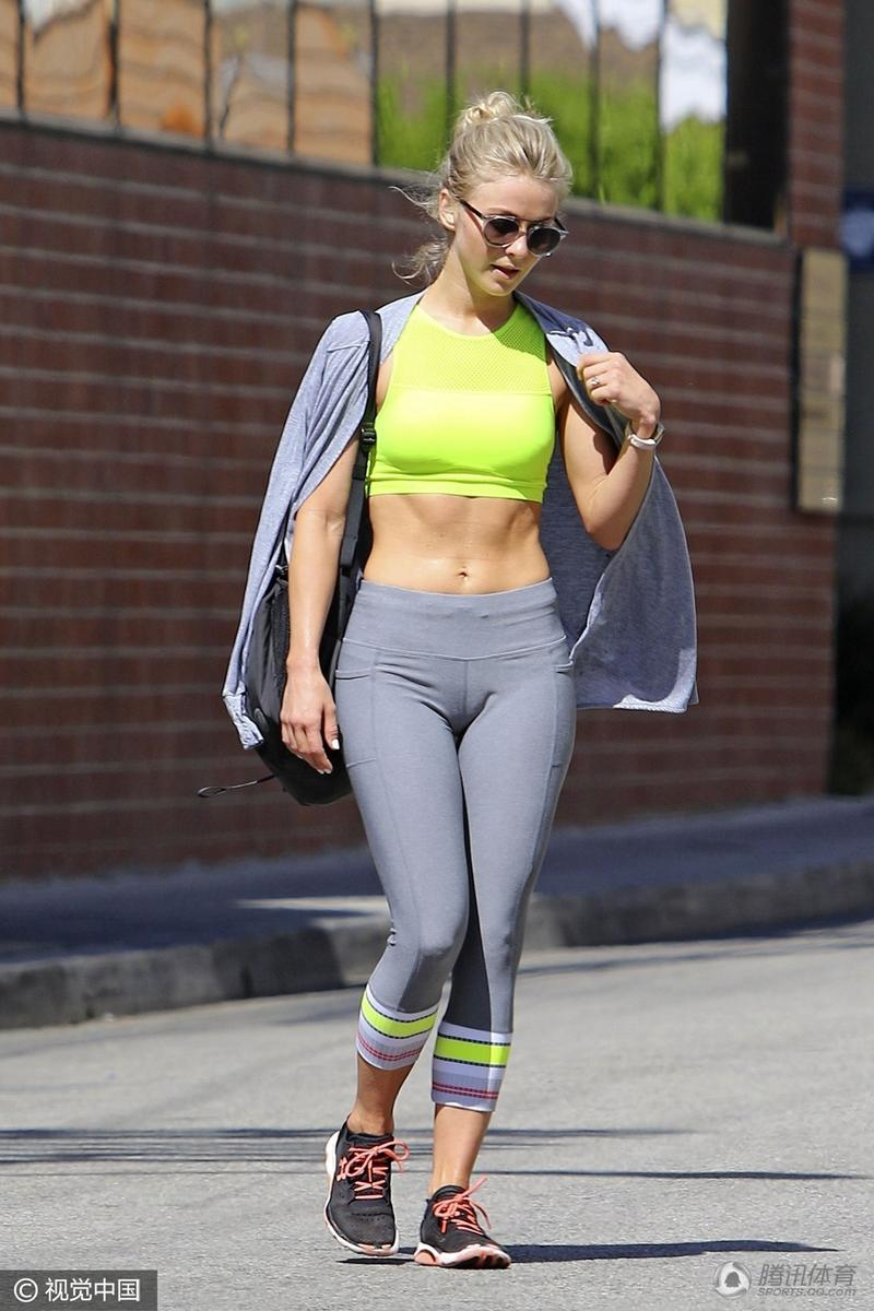 高清 性感女星外出健身 紧身裤秀身材显尴尬