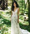 森系婚礼的新娘礼服