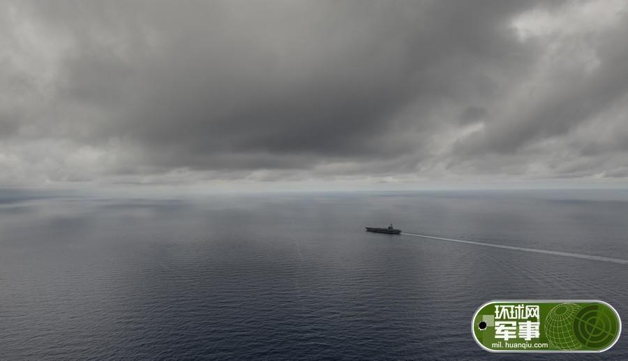 美军航母在暴雨中闯入中国南海 - 海阔山遥 - .