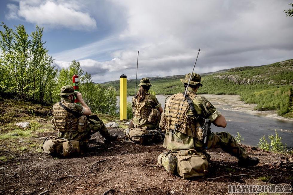 组图:美女军犬守边疆 挪威陆军在挪俄边境巡逻 - 海阔山遥 - .