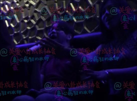 陶喆被曝在洛杉矶KTV嗨唱 身边美女并非娇妻(图)