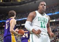NBA灵活死胖子:他靠屁股背打 迪奥从一打到五