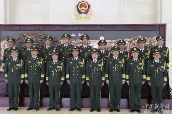 7月30日,武警部队举行晋升中将、少将警衔仪式.司令员王宁上将宣图片