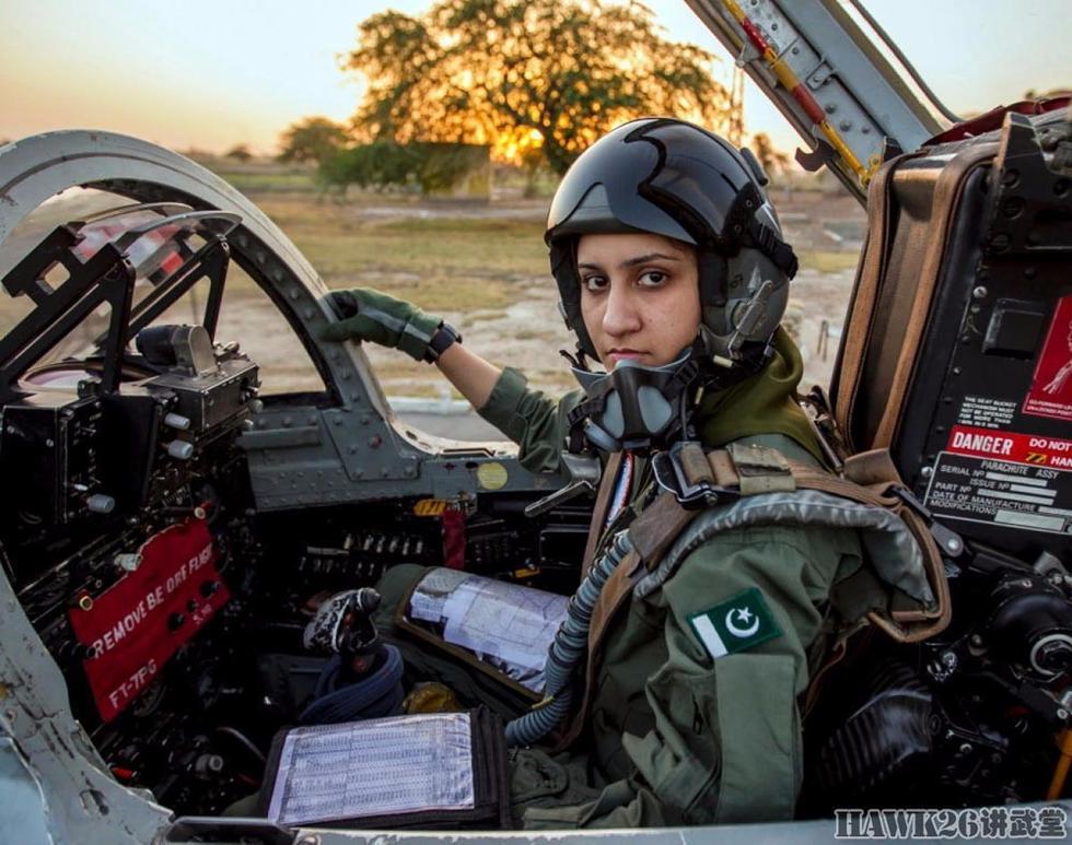 各国空军女飞行员,勇敢挑战男性禁区