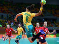 组图:女子手球首轮比赛 巴西挪威激烈角逐