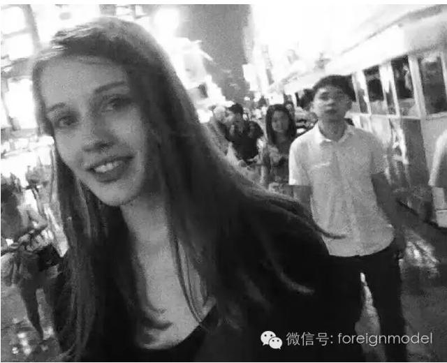 Daria还有一位朋友是来自俄罗斯的自由媒体人,平时会撰写一些模特们的故事,她和Daria在上海认识,有不少共同的朋友。她说,事后她们还曾试着登录Daria的社交软件,试图查看她是否有和哪位朋友约见,但是都没有找到类似消息。