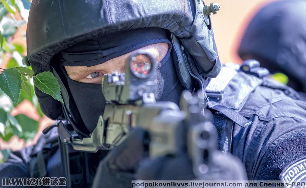 组图:俄罗斯OMOH黑色贝雷特种部队炫酷写真