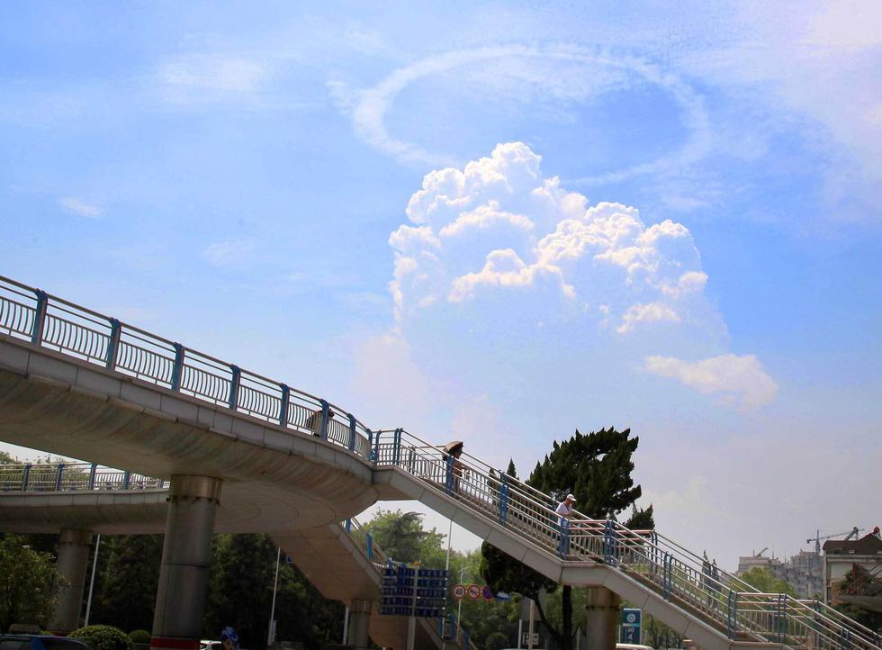 """安徽铜陵上空现罕见""""环状云""""奇观2016.8.20 - fpdlgswmx - fpdlgswmx的博客"""