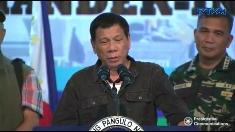 菲律宾强势扫毒近2千人死亡 市民围观运尸车 - 海阔山遥 - .