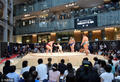 日本相扑现最萌体重差 小朋友与巨人过招(图)