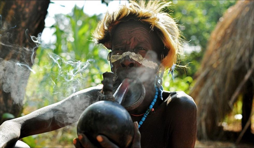 【图片新闻】埃塞俄比亚部落精壮男子赤裸打斗求偶 - 耄耋顽童 - 耄耋顽童博客 欢迎光临指导