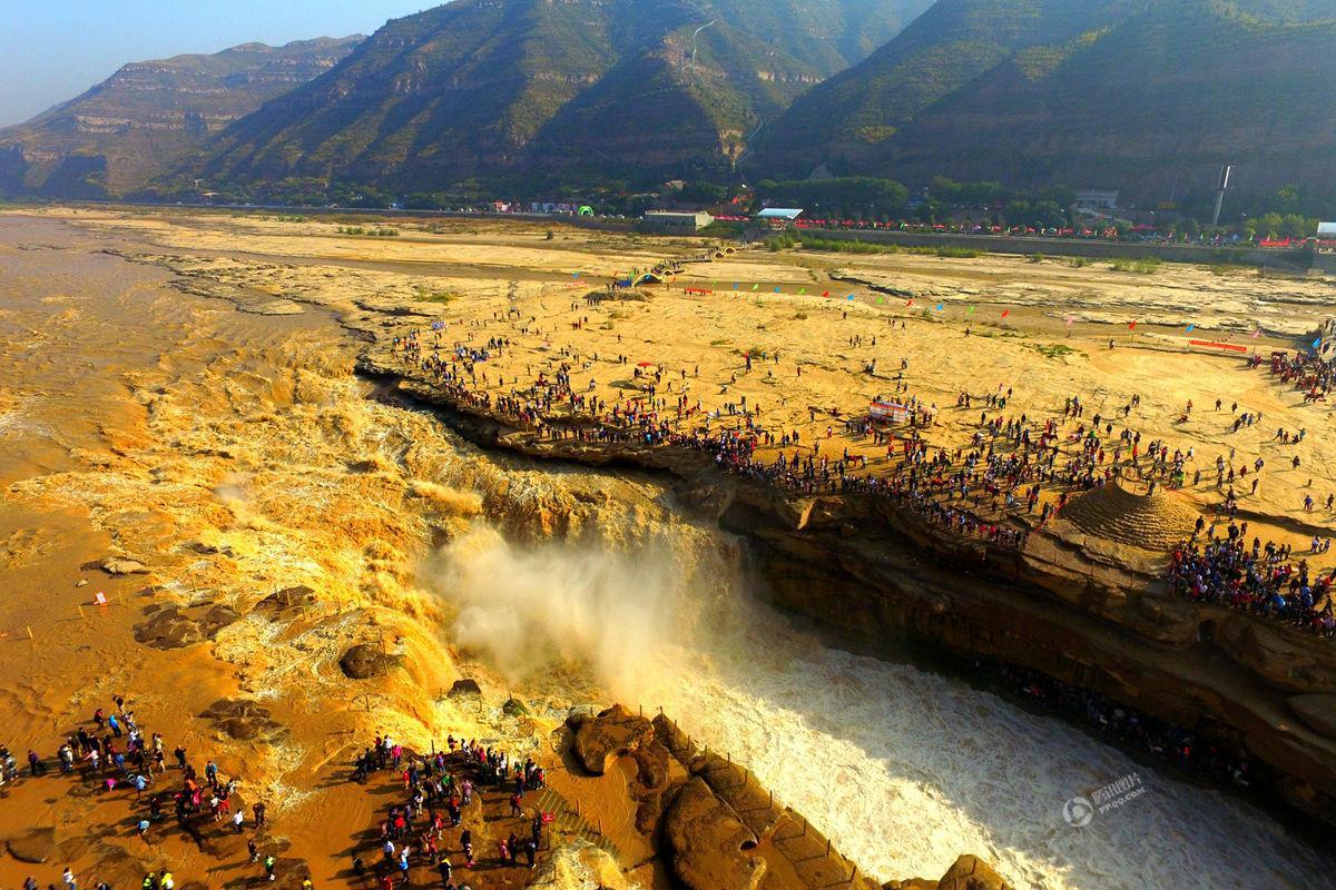 国庆假期万人围观黄河壶口瀑布 气势磅礴 - 海阔山遥 - .
