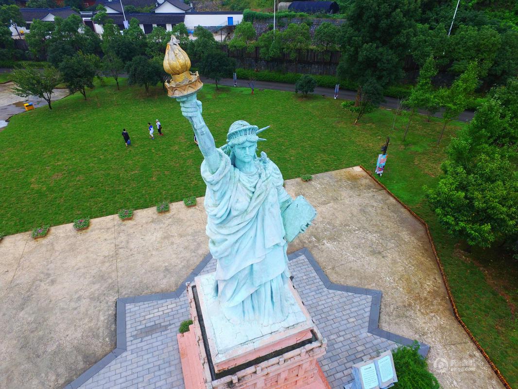 宁波现山寨世界建筑 网友吐槽一站式游遍世界 - 海阔山遥 - .