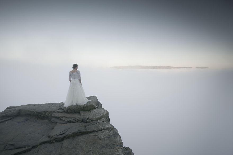 新婚夫妇行车上万公里拍史诗级婚纱照 - 海阔山遥 - .