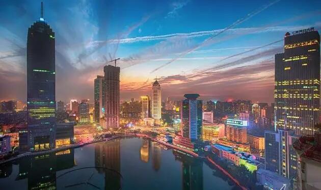 21世纪未来的经济趋势_导读:21世纪经济报道记者通过对这些城市的城市发展水平、综合经济...