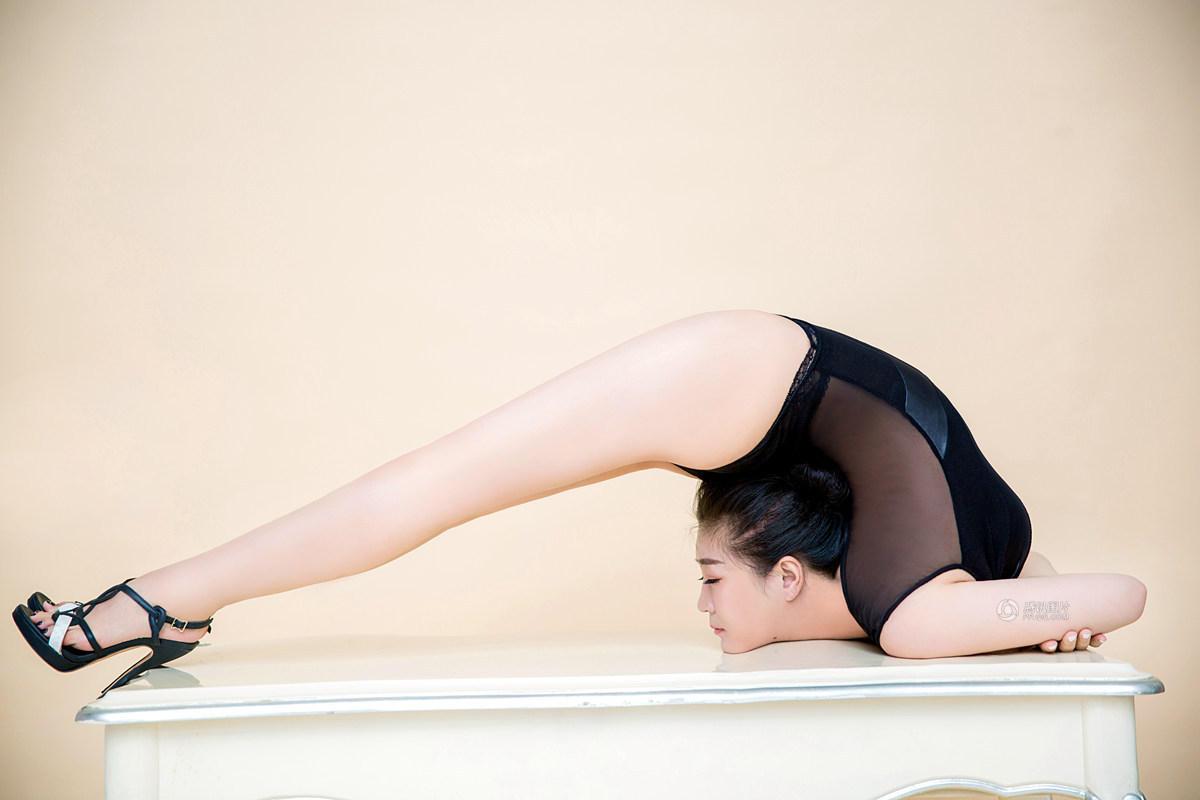 【图片新闻】太惊艳了 中国柔术美女展柔韧身段 - 耄耋顽童 - 耄耋顽童博客 欢迎光临指导